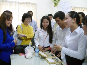 Policy dialogue  to foster female participation in STEM education; Gender-sensitive STEM education